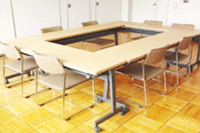 研修室 机16台の更新