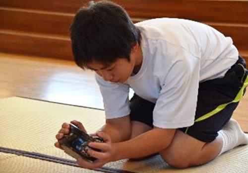 手に触れる鑑賞イメージ(平成31年陶都中学校)