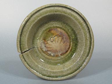 13.折縁皿